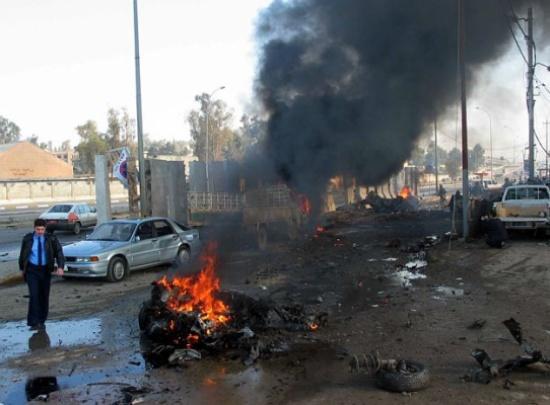 انفجار عبوتين ناسفتين وسط بغداد