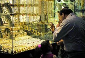 الذهب يرتفع دينارين محليا و289 مليون دينار مشتريات الاردنيين الشهر الماضي