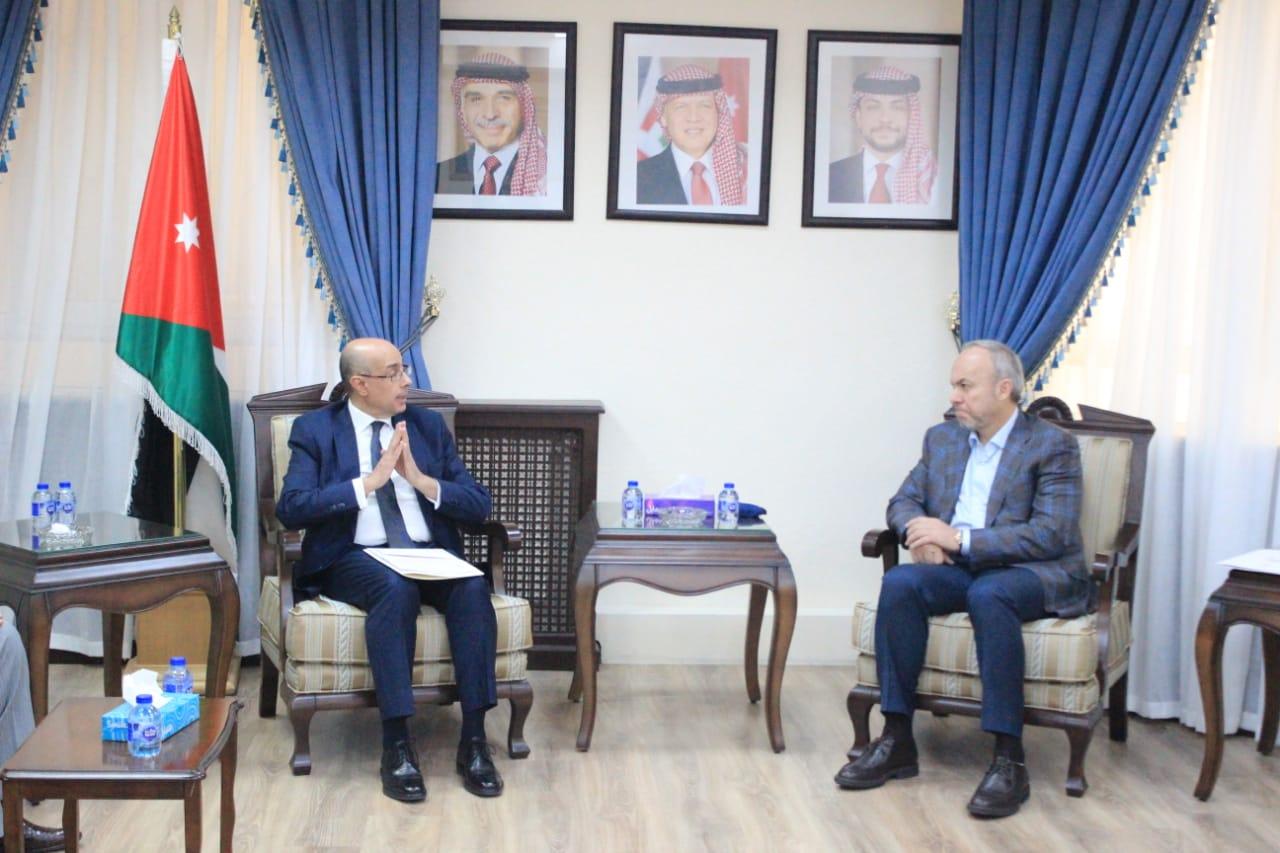 """""""خارجية النواب"""" تلتقي السفير التونسي"""