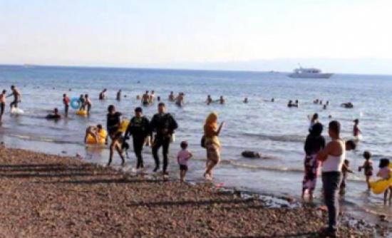 العقبة: شواطئ عامة من دون منقذين تعرض زوارها لخطر الموت غرقا