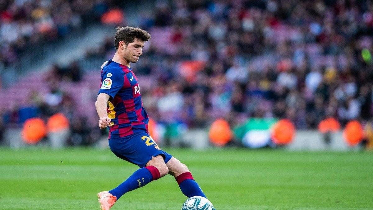 سيرجي روبيرتو ينتقد تعامل إدارة برشلونة مع لويس سواريز ويتحدث عن إمكانية بقاء ميسي