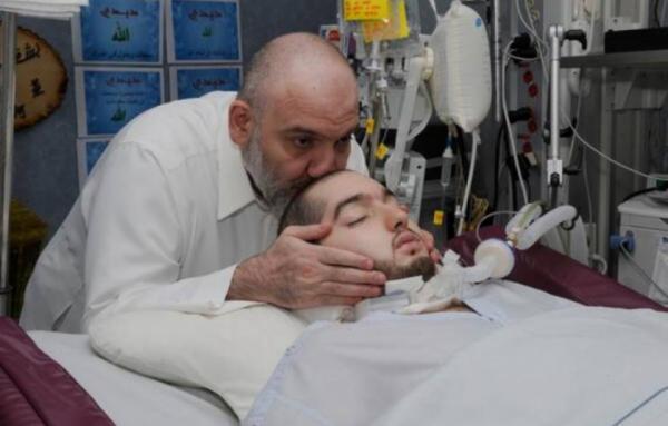 """السعودية  ..  بعد غيبوبة استمرت 14 عاما   ..  """"الأمير النائم"""" يحرك رأسه لأول مرة"""
