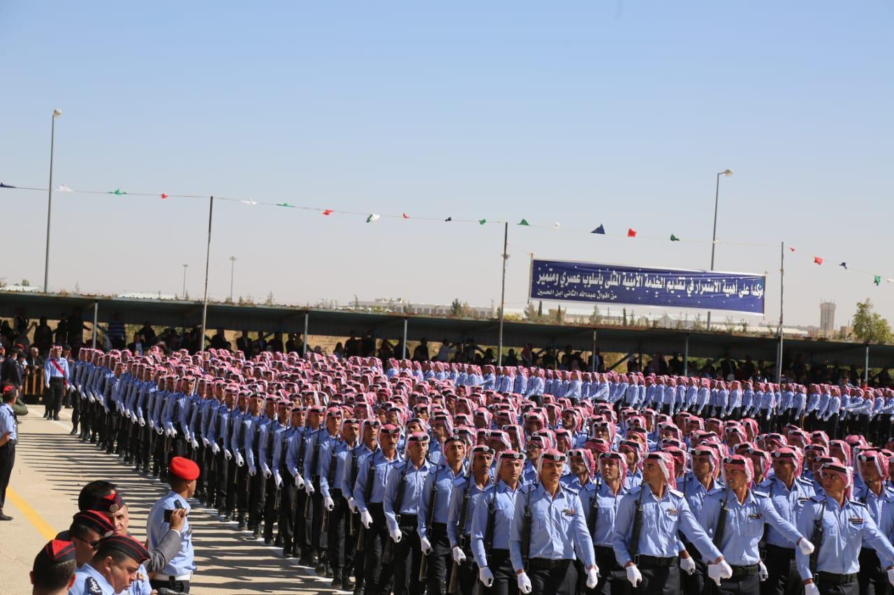 بالصور  .. حفل تخريج مستجدي الامن العام في مدينة الملك عبد الله الثاني بن الحسين التدريبية