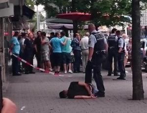 """بالفيديو والصور .. تفاصيل بشعة لجريمة """"الساطور"""" في ألمانيا .. المجرم قتل امرأة حامل"""