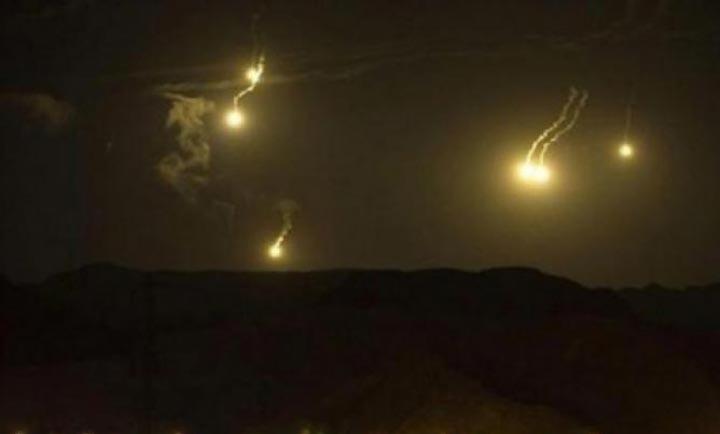المفرق : الإنفجارات العنيفة داخل المناطق السورية تهز المنازل الأردنية الحدودية