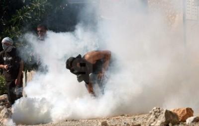 الاحتلال يقمع مسيرة المعصرة ببيت لحم