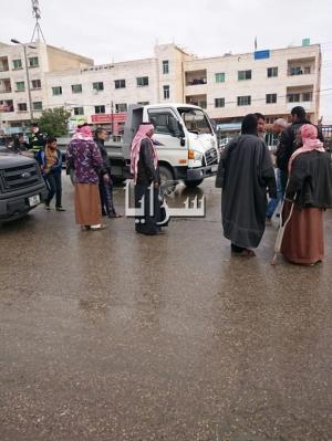 بالصور..  عمان : اصابة شخص بتصادم (3)مركبات في زيزيا