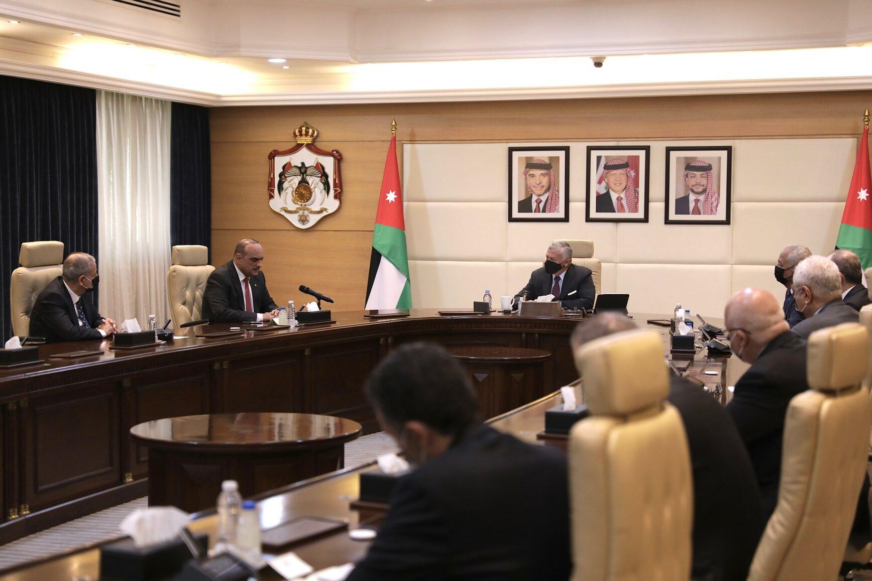 الملك: افتتاح المدارس ومختلف القطاعات بشكل آمن مهم جدا ويتطلب من المواطن الالتزام