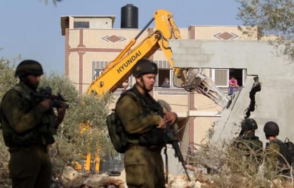 الاحتلال يخطر بهدم منازل مخيم عقبة جبر بأريحا خلال ثلاثة أسابيع