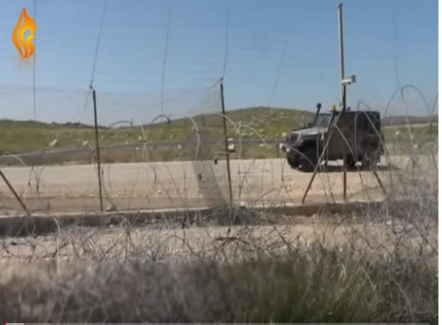 بالفيديو : هذا ما حصل بين ضابط في الجيش الإسرائيلي ومواطن فلسطيني في إحدى المناطق الفلسطينية