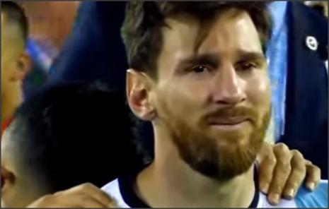 بالفيديو .. اشهر 10 لحظات لن تنسى فى تاريخ كرة القدم !!