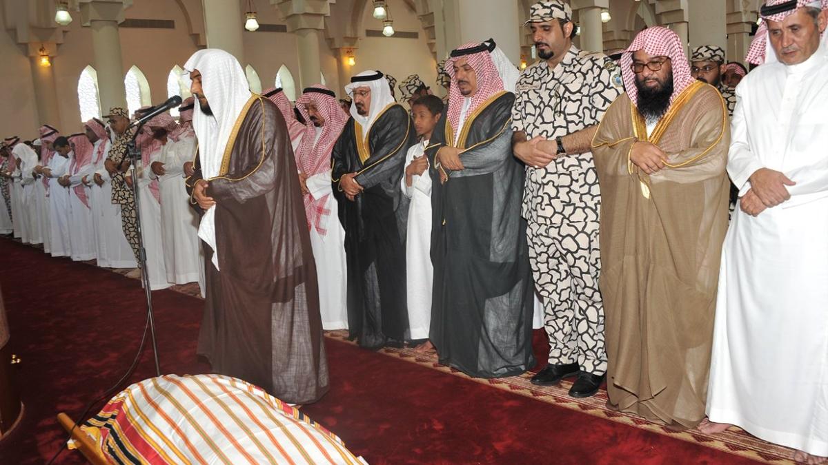 السعودية تسمح بإقامة الجنائز في الجوامع والمساجد بشروط