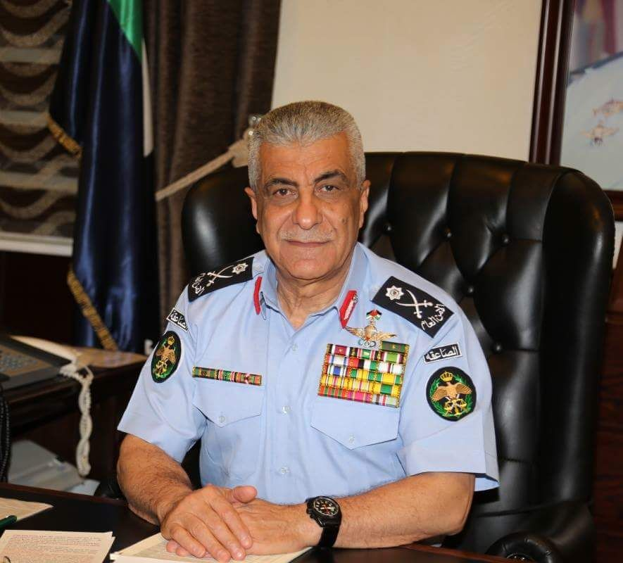 الفريق المتقاعد احمد الفقيه ..  ابن مدرسة الجيش العربي والقائد الأول في كل مواقعه