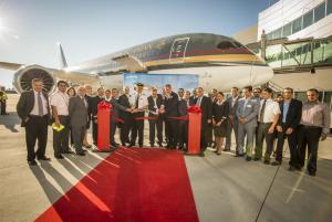 """الملكية الأردنية تتسلم أولى طائراتها من طراز بوينغ 787   """" دريم لاينر """""""