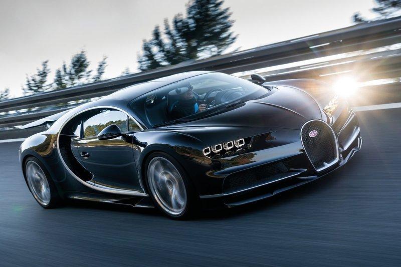 استعدادات لإطلاق السيارة الأسرع والأكثر اتزاناً في العالم
