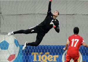اتحاد الكرة يكرم شفيع بمناسبة خوضه المباراة الدولية رقم 158