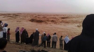 وفاة 14 شخصاً بأمطار الرياض