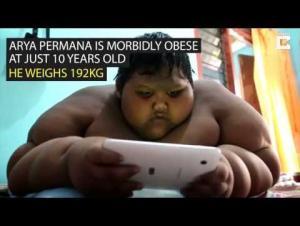 بالفيديو.. تعرف على أثقل طفل في العالم