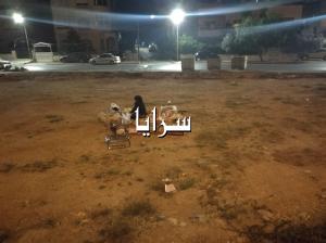 بالفيديو والصور   ..   أمام وزيرة التنمية  ..  أردنية و أطفالها الخمسة يسكنون بالعراء بعد سجن زوجها