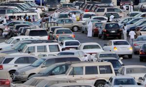 السعودية: رشوة واعتداء يوقعان مالك معرض سيارات