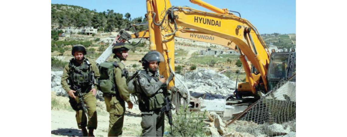 الاحتلال الإسـرائيلي يعتقل «5» فلسطينيين ويهدم «14» منشأة خلات حملة مداهمات في الضفة