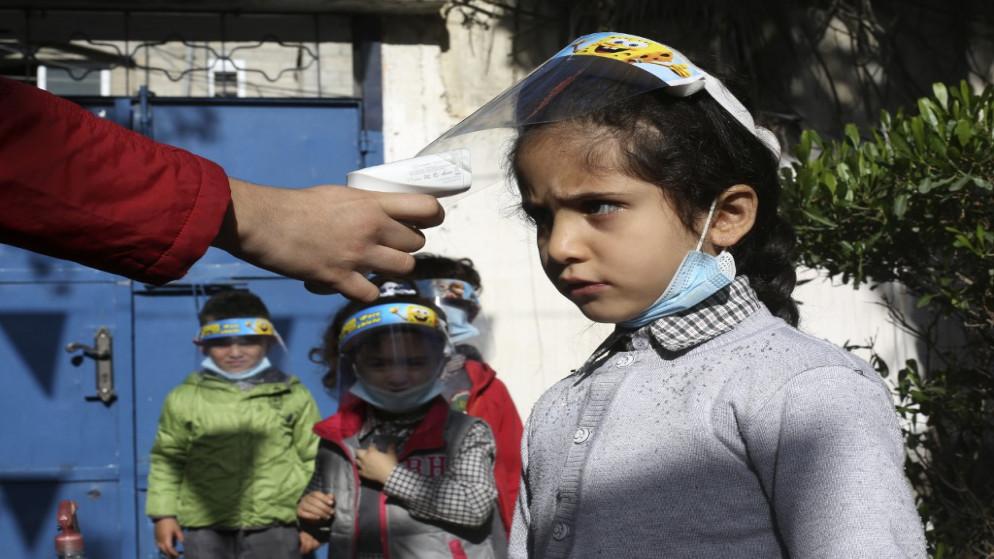 17 وفاة و1946 إصابة جديدة بالفيروس في الأراضي الفلسطينية