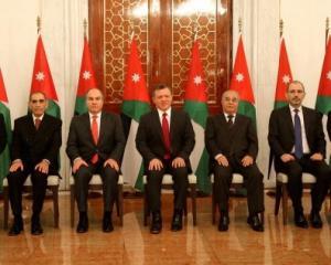 """(3) وزراء قدموا استقالاتهم من الحكومة قبل التعديل  ..  و ما هي قصة الخلاف مع """"جعفر حسان""""  ..  تفاصيل"""