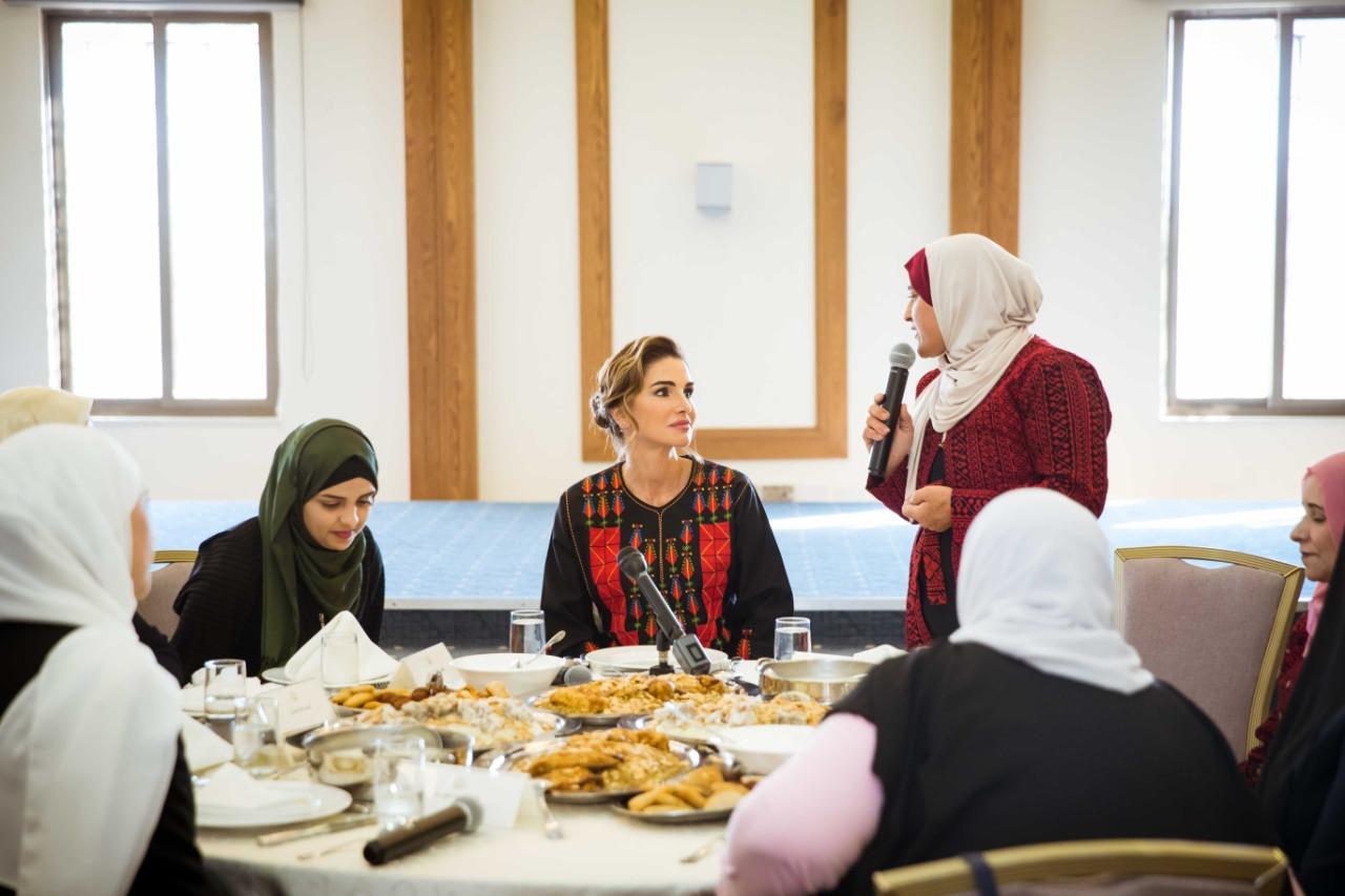 جلالة الملكة رانيا العبدالله تلتقي عدداً من الفعاليات النسائية في معان
