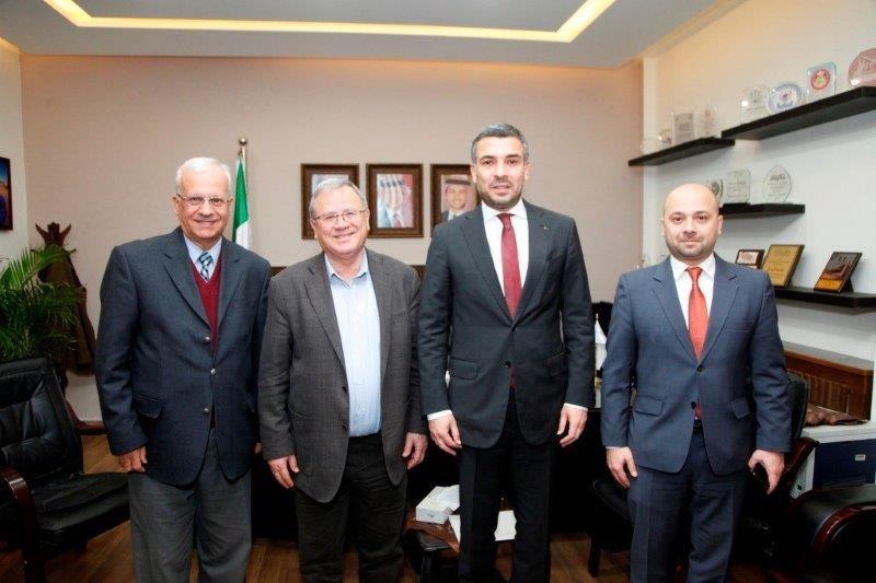 جامعة البترا تبحث التعاون مع الجامعات الرومانية ..  صور