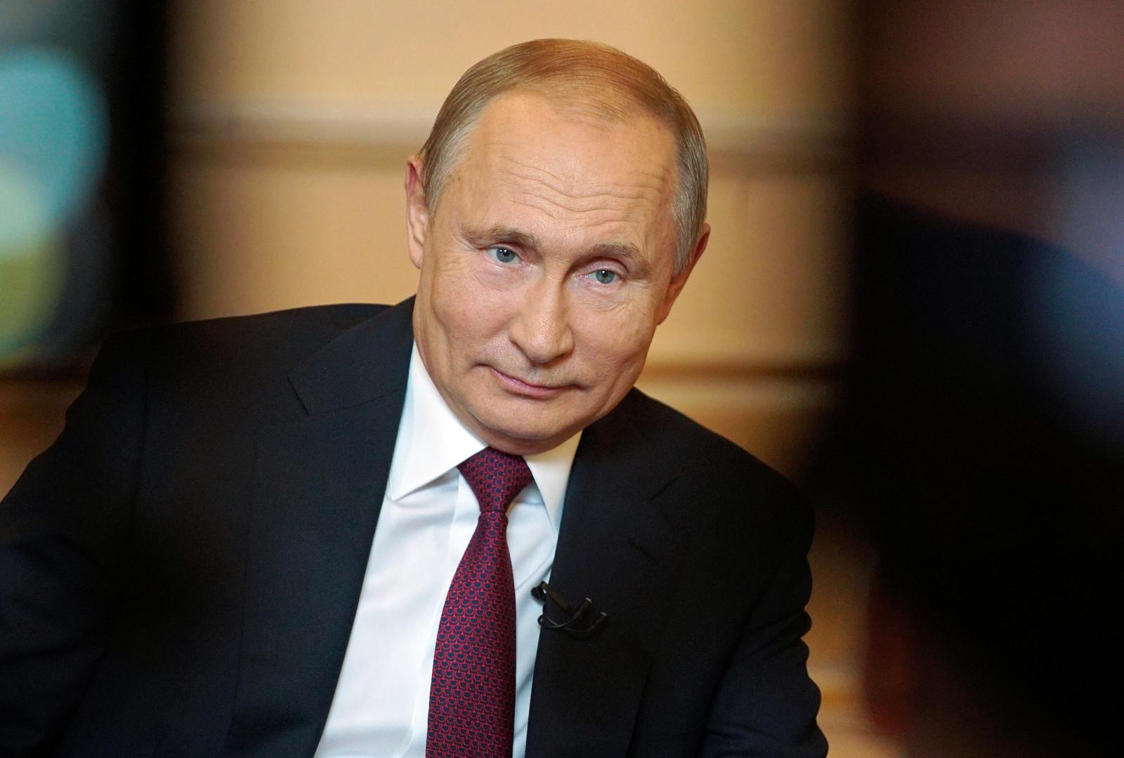 """بوتين: العلاقات مع أمريكا تدهورت إلى أدنى مستوياتها ..  وترامب شخص """"استثنائي وموهوب"""""""
