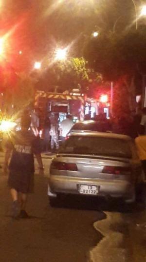 حريق مركبة بسبب تماس كهربائي في العقبة..صور