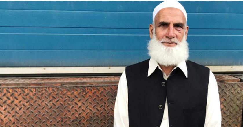 مصلّ مسن يطرح مهاجم مسجد النرويج أرضا ويجرده من أسلحته