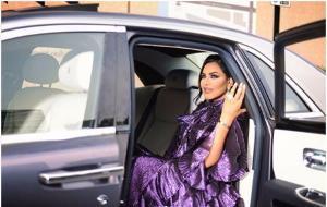 أحلام تنسّق لون سياراتها حسب ملابسها... وهكذا ردّت على السخرية منها!