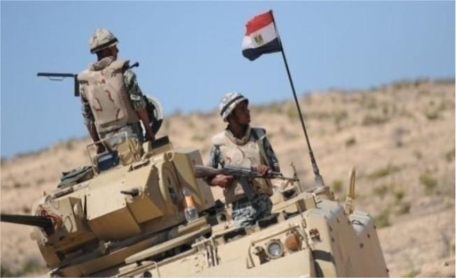 مصر: تدمير 10 سيارات محملة بالأسلحة تسللت عبر الحدود