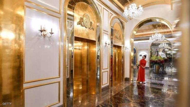 مغاطس وغرف وفناجين مذهبة ..  'أول' فندق مطلي بالذهب في فيتنام