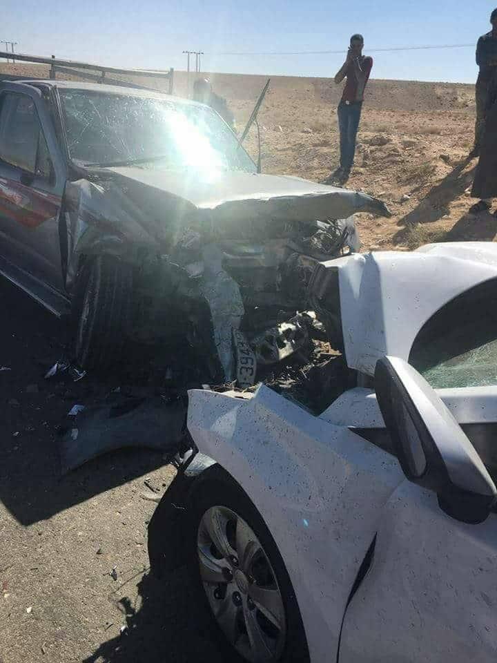 بالصور ..  3 وفايات وإصابتين بحادث تصادم مروع على طريق وادي موسى - أذرح