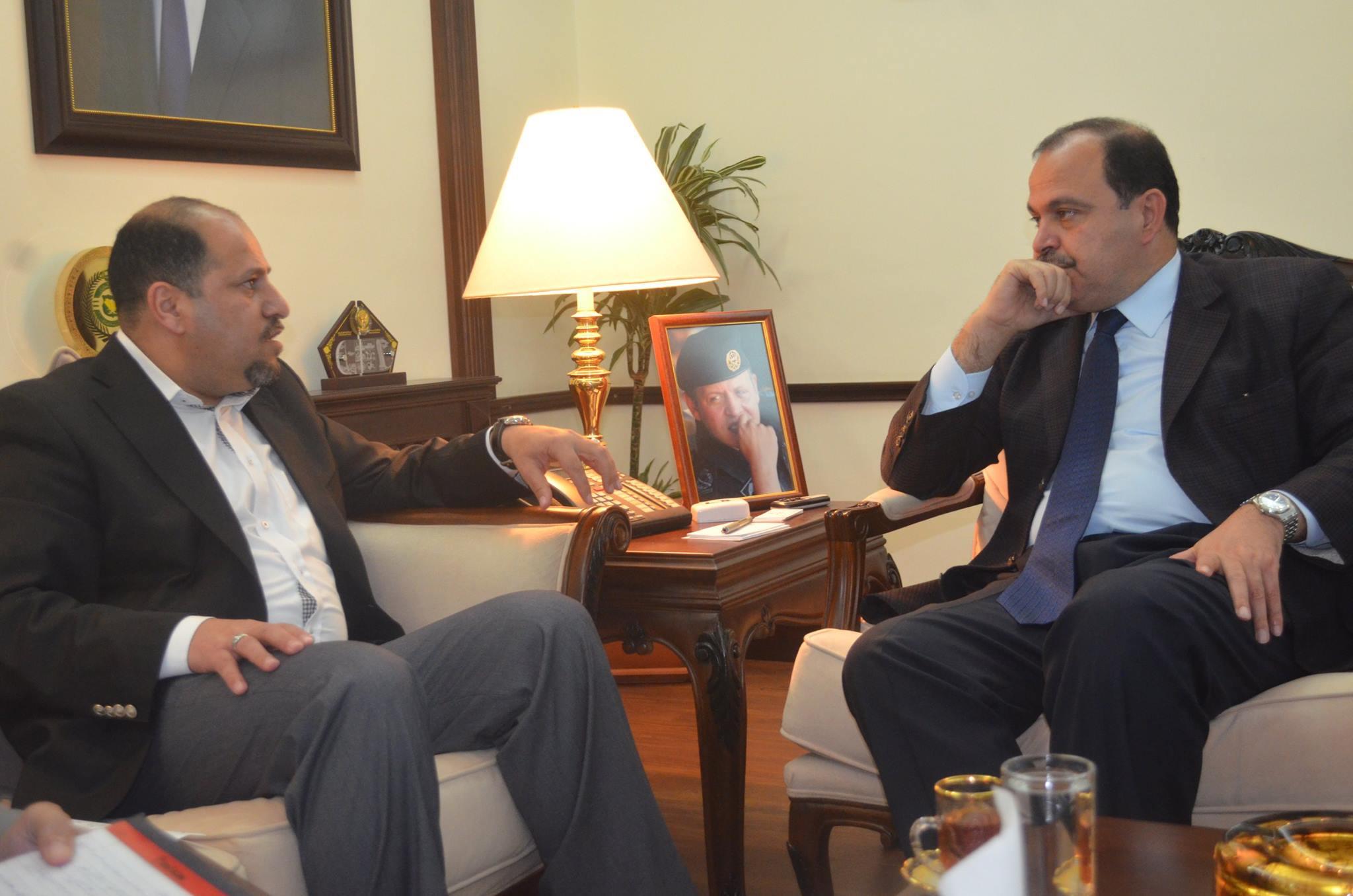 """وزير الداخلية لـ""""سرايا"""" : النسور استاذي ولا خلاف مع ناصر جوده وهذه قصة مدن اللاجئين في الأزرق"""