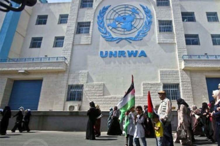 موظفو الأونروا يبدأون إضرابا شاملا احتجاجا على تقليص أعدادهم في غزة