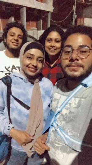 ما هي قصة الشاب الذي عزم أصدقاءه احتفالًا بصواريخ غزة التي ضربت تل أبيب
