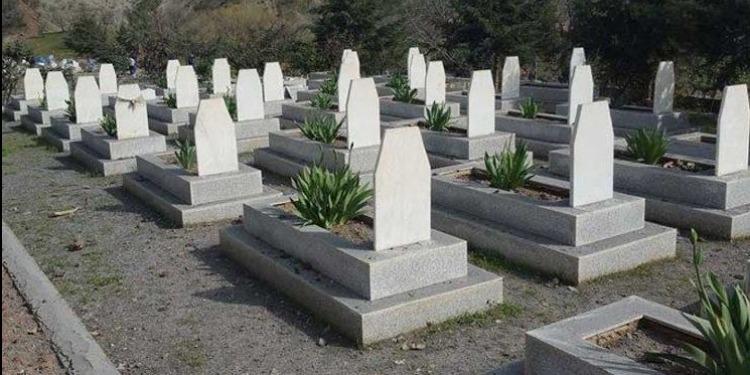 حكم وضع اسواق داخل مقبرة