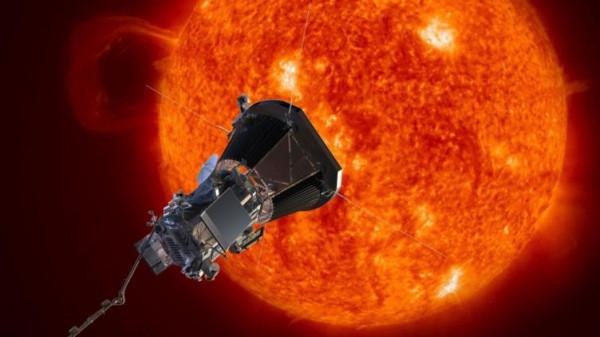 """انفجار هائل على سطح الشمس يهدد كوكب الأرض  .. """"تفاصيل"""""""