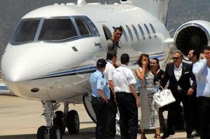 تحطم طائرة رونالدو الخاصة في مطار برشلونة