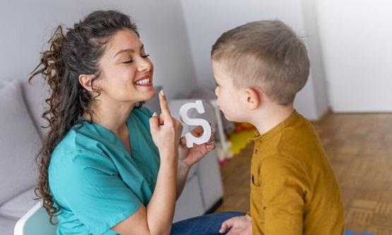نصائح التخلص من تأتأة الأطفال
