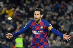 ميسي يُعلن رسميا موافقة لاعبي برشلونة على تخفيض رواتبهم