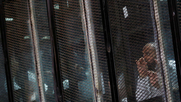 القاهرة تدرج 186 مشبوها على قوائم الإرهاب بينهم مذيع مشهور
