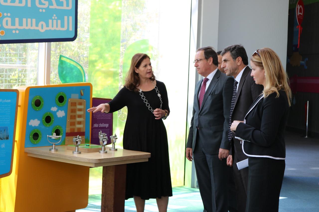 وزير البيئة يزور متحف الاطفال في حدائق الحسين