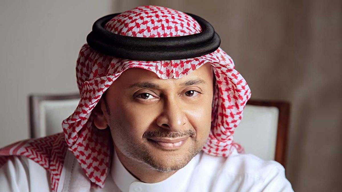 عبدالمجيد عبدالله يعلق على تقليد فتاة كويتية ملامحه بالمكياج