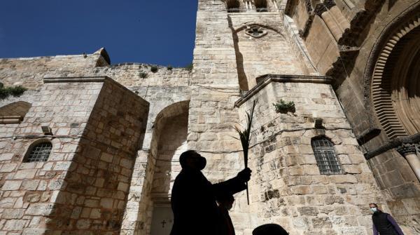 تأجيل فتح أبواب كنيسة القيامة في القدس المحتلة