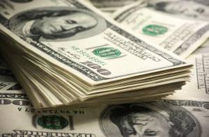 ارتفاع قياسي للدولار الأميركي