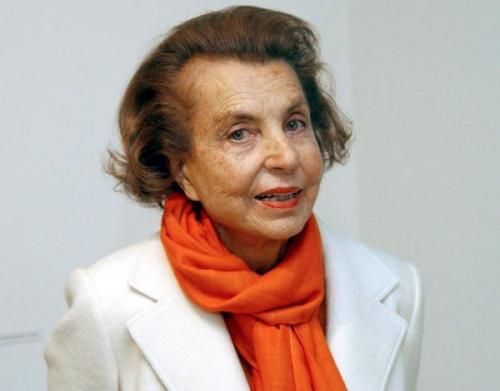 """بالصور .. أغنى امرأة في العالم ترحل عن الوجود بعد """"94 عاماً"""" تاركةً خلفها (40) مليار دولار"""